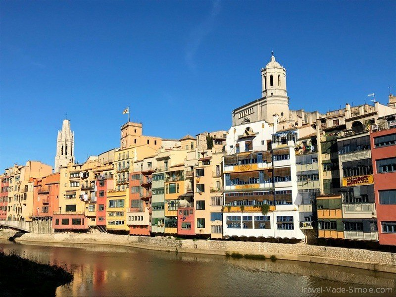 what to do in Girona Spain - colorful buildings along the river