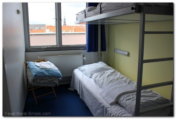 what is it really like to stay in a hostel?