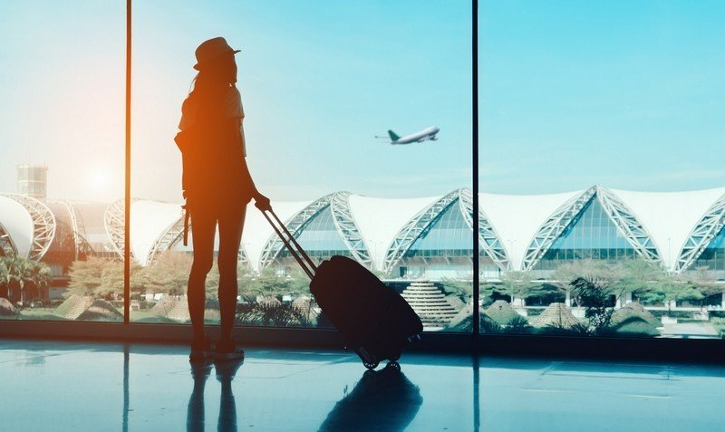 can you leave the airport on a layover?