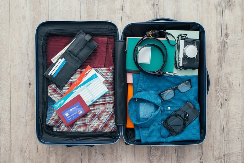 things to pack for a trip - my carry-on only packing list